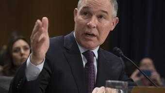 Er ist Klimaskeptiker und enger Vertrauter der Kohle- und Ölindustrie: der vom Senat bestätigte neue Umweltminister der USA, Scott Pruitt. (Archiv)