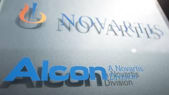 Die Novartis-Tochter Alcon will die Firma Tear Film Innovations kaufen und so Patienten mit trockenen Augen bedienen.