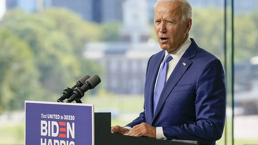 Joe Biden, demokratischer Präsidentschaftskandidat und ehemaliger US-Vizepräsident, spricht in Philadelphia. Foto: Carolyn Kaster/AP/dpa