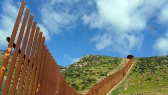 Grenzzaun soll illegale Einwanderung von Mexiko in die USA bremsen