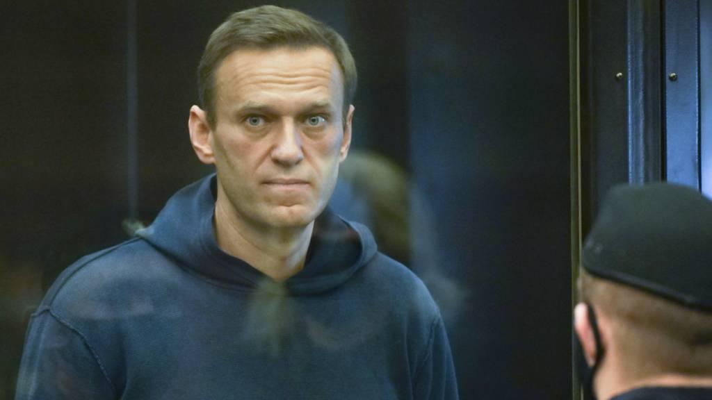 Nawalny scherzt über Haft: Ich lebe wie im Raumschiff
