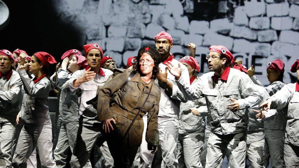 Sirenengesänge der Revolutionärinnen auf Basler Opernbühne