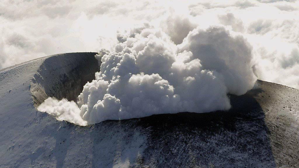 Der Vulkan Asama in der Nähe von Tokio war letztmals im Jahr 2015 ausgebrochen. (Archivbild)