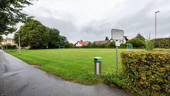 Der Spiel- und Fussballplatz beim ehemaligen Schulhaus Oberdorf soll als Grünfläche erhalten bleiben.