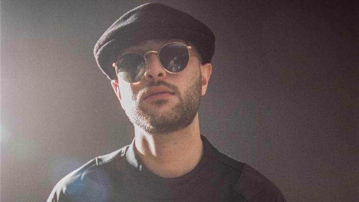Rapper Nimo kam in Schwarz zur Abdankung – die Jugendlichen kamen in Weiss. HO