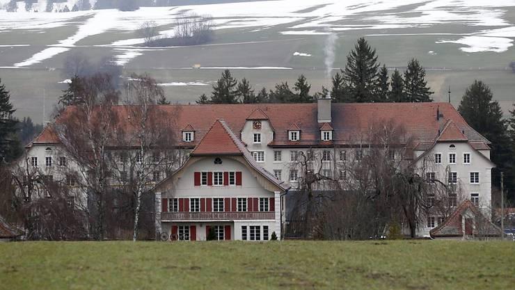 Das ehemalige kantonale Jugendheim in Prêles auf einer Aufnahme von 2012. (Archivbild)