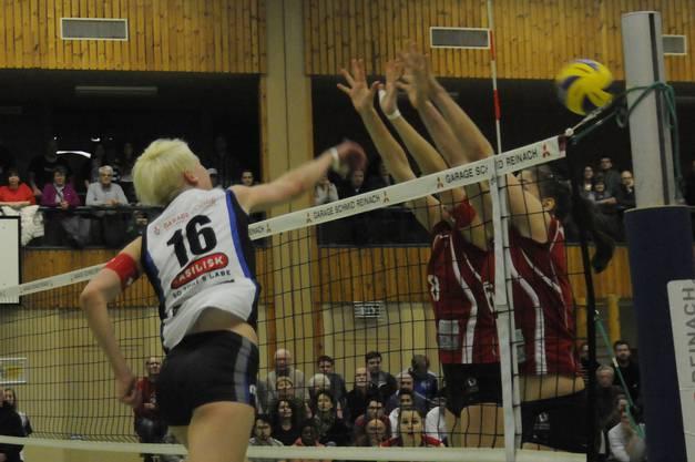 Cup-Halbfinal Sm'Aesch Pfeffingen und Voléro Zürich