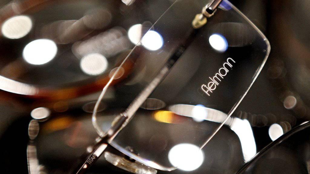 Dank dem tollen Sommer hat Fielmann mehr Sonnenbrillen verkauft. An diesen verdient der Optiker allerdings weniger. (Archivbild)