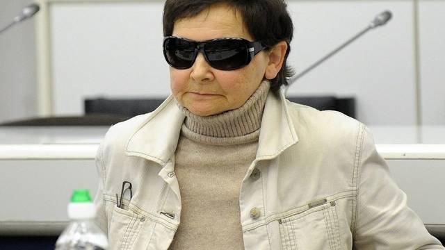 Verena Becker vor dem Oberlandsgericht in Stuttgart