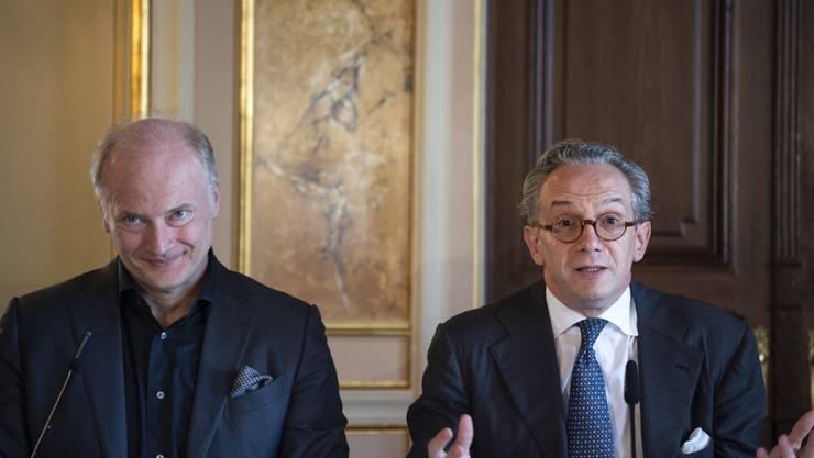 Gianandrea Noseda (l) wird im September 2021 Generalmusikdirektor des Opernhauses Zürich. Am 2. Juli 2018 präsentiert er sich zusammen mit seinem Vorgänger Fabio Luisi.
