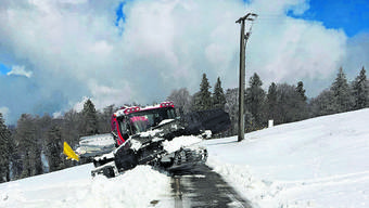 Es hatte zu wenig Schnee und war zu warm für den Pistenbully.