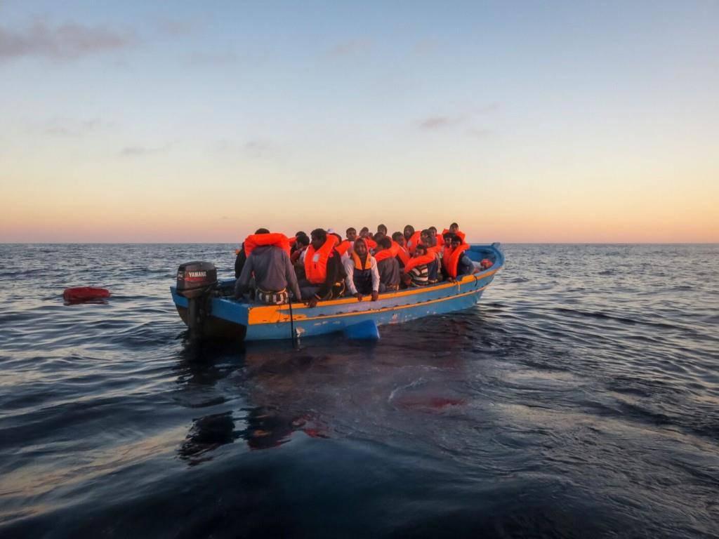 Ostschweizer Piloten leisten Hilfe auf dem Mittlemeer (© seawatch)