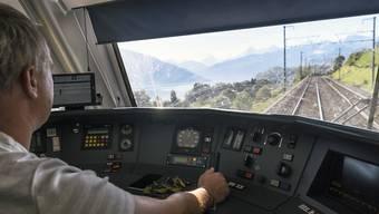 Die BLS wird nun doch nicht Interregio-Züge von Bern nach Biel und nach Olten einsetzen. (Archivbild)