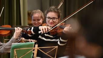 Aline Wyss anlässlich einer Probe des Stadtorchesters Grenchen für die Konzerte am Samstag und Sonntag.