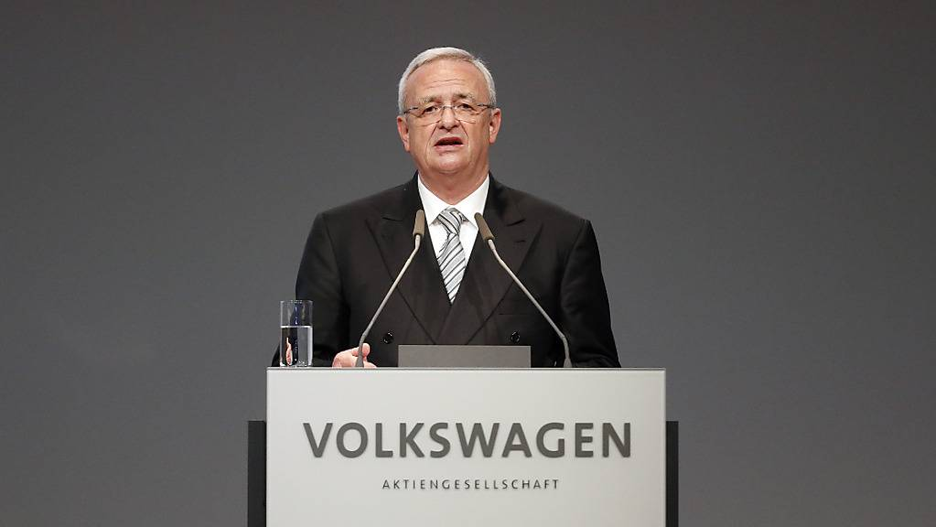 Der frühere Konzernchef Martin Winterkorn und drei weitere Ex-Topmanager zahlen wegen des Abgarsskandals einen Rekord-Schadenersatz an Volkswagen. (Archivbild)