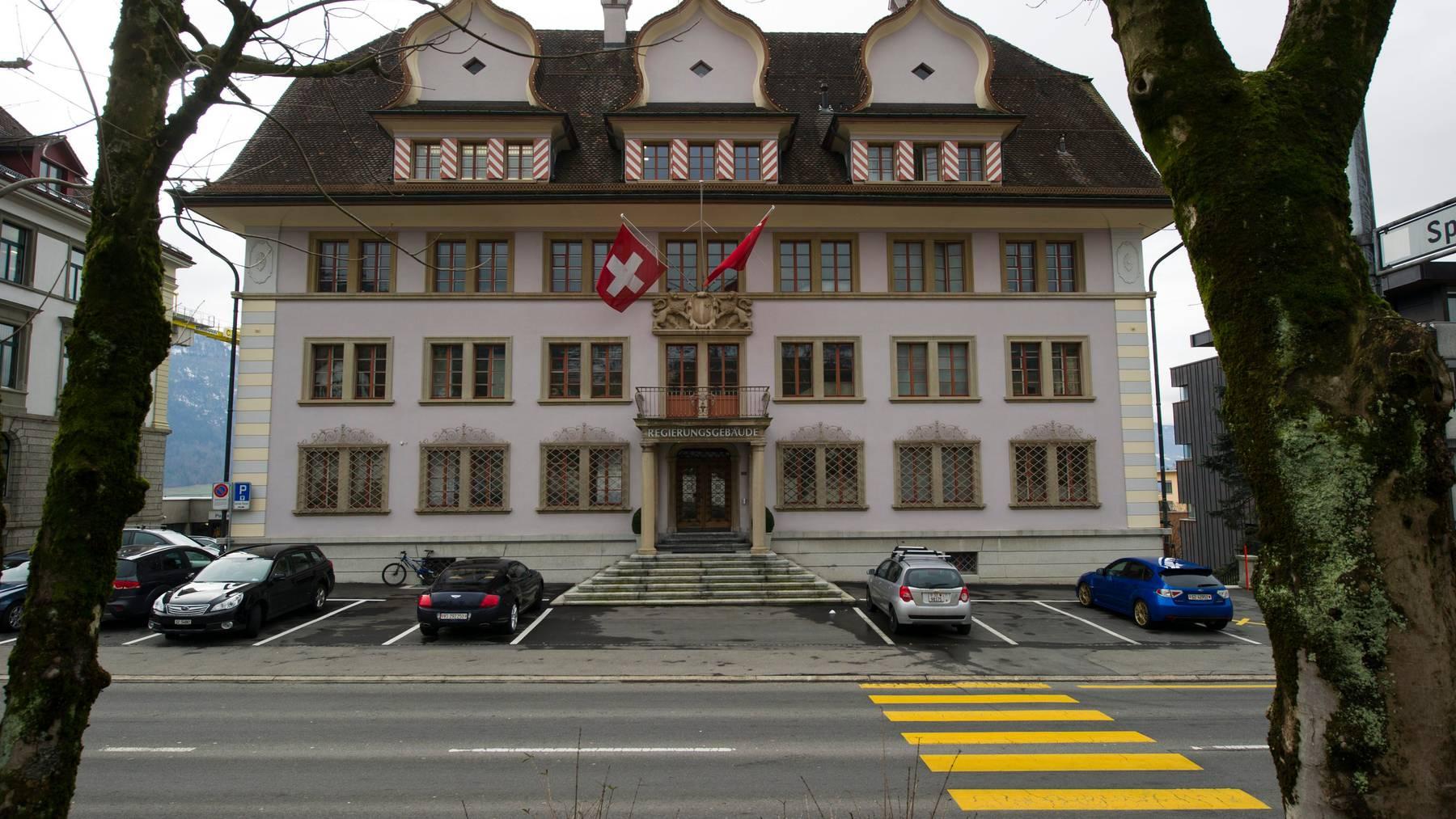 Die Schwyzer Regierung will mit weiteren Massnahmen zuwarten. (Symbolbild)