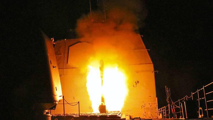 In Syrien sind Medienberichten zufolge in der Nacht mehrere Militärstellungen aus der Luft angegriffen worden. (Symbolbild)