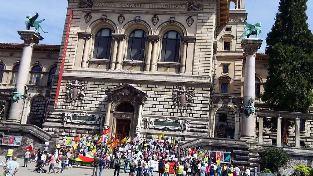 Kurden demonstrieren gegen die Aufteilung ihres Volks