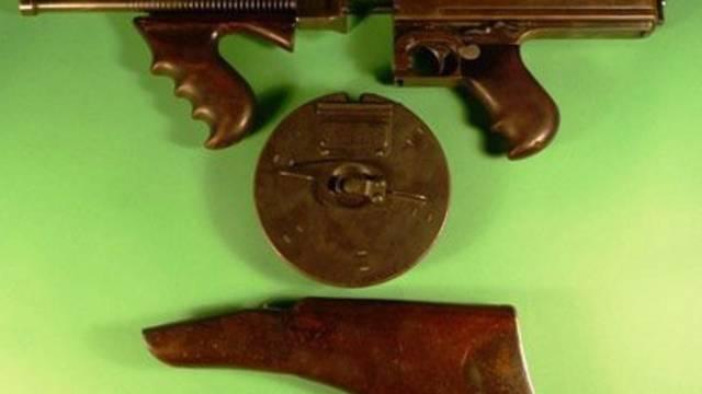 Für diese Maschinenpistole wurden rund 130'000 Dollar bezahlt (Archiv)