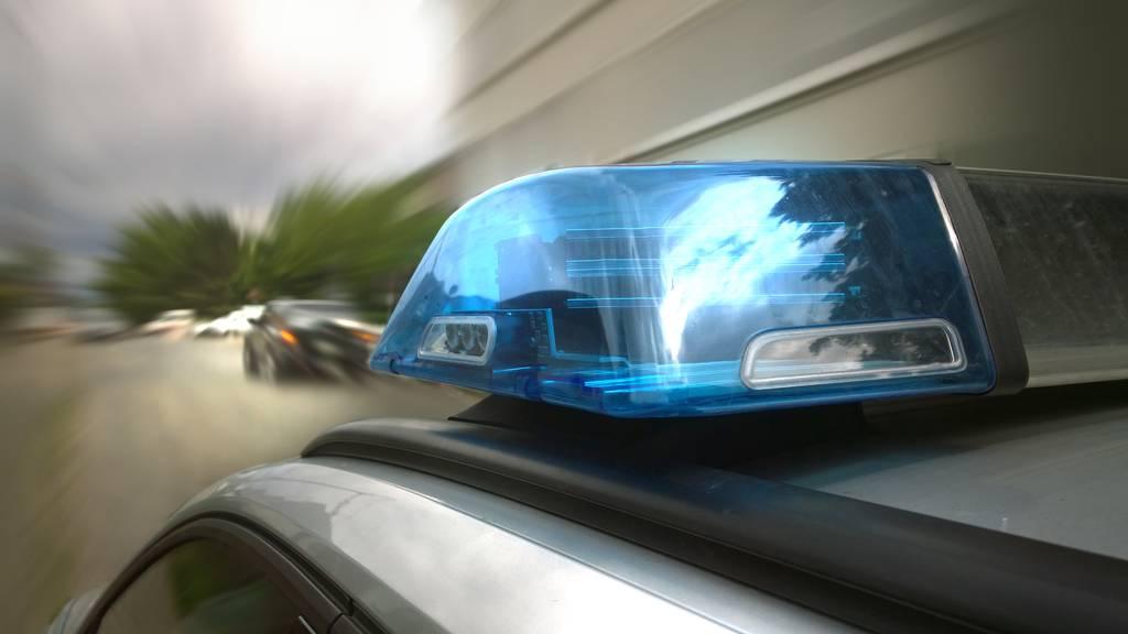 Motorradfahrer stirbt nach Unfall – Auto-Lenker gesucht