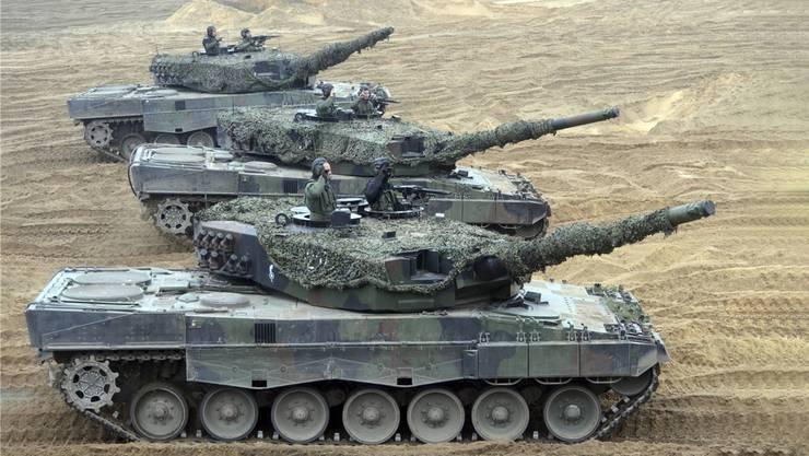 Leopard 2: Der deutsche Hersteller Krauss-Maffei Wegmann lieferte Katar 62 Stück der Panzer. Imago Images