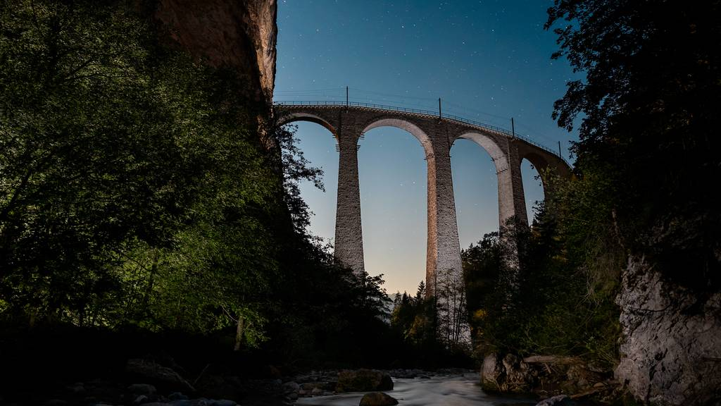 Nachtwandern: Diese Hotspots kannst du jetzt im Dunkeln erkunden