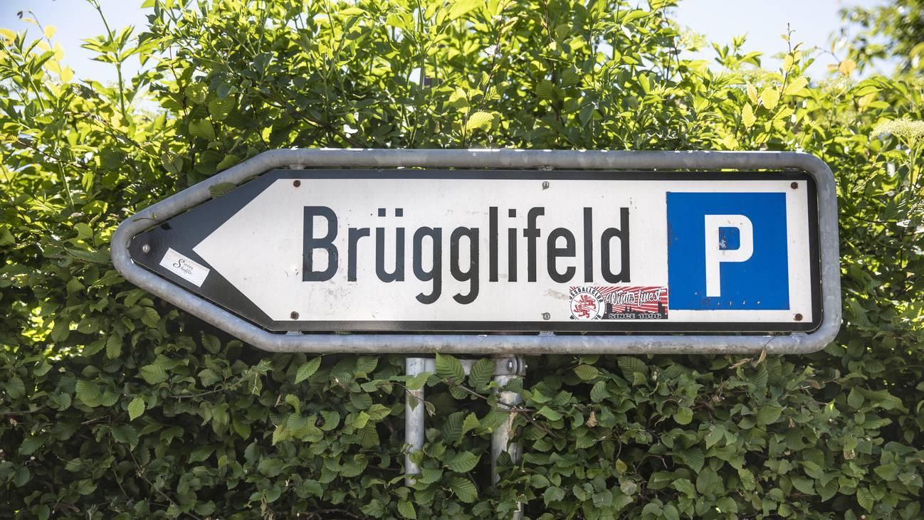 Stadion Brügglifeld Wegweiser