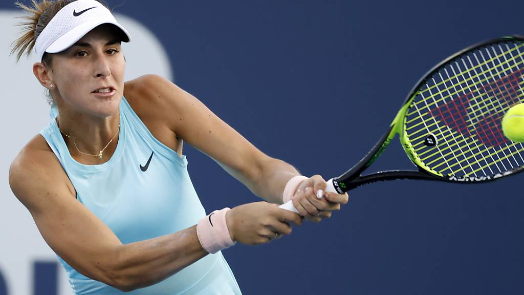 Belinda Bencic spielt die Rückhand beidhändig.
