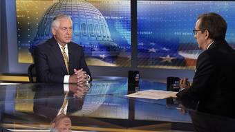 US-Aussenminister Tillerson ist in einem Interview im Fernsehsender Fox News mehrfach der Gelegenheit ausgewichen, Präsident Trumps vielfach kritisierte Reaktion auf die Ereignisse in Charlottesville zu verteidigen.