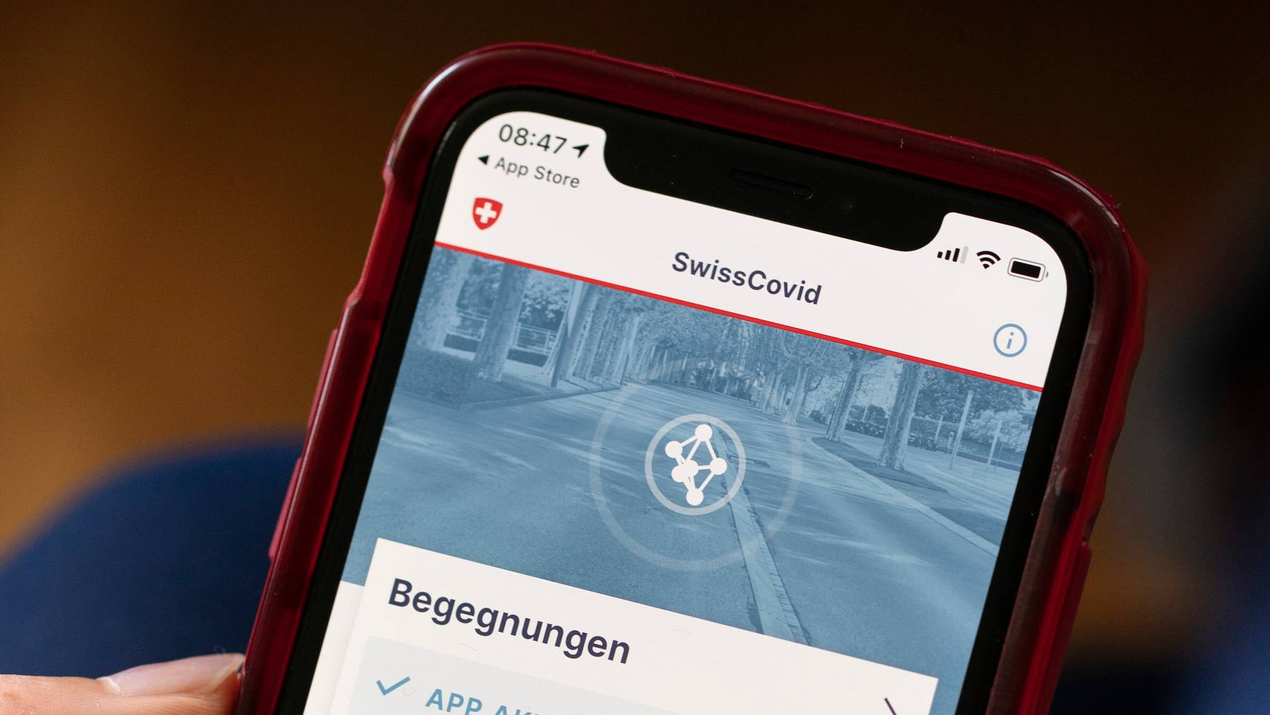 Künftig will die Post ihre Kunden am Schalter auf die SwissCovid-App aufmerksam – dies in Zusammenarbeit mit dem BAG.