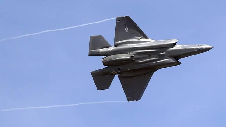 Der Bundesrat will bei der Kampfjet- und Luftabwehrbeschaffung Air2030 trotz Nachteilen wieder auf Offset setzen. (Symbolbild)