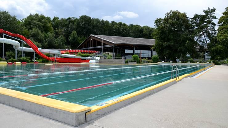 Wie im Schwimmbad Rheinfelden sah es im Juli in vielen Badis aus: Die Besucher fehlten.  COB
