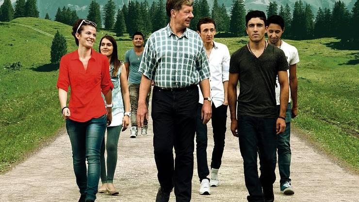 Lehrer Christian Zingg und seine Schützlinge im Klassenlager.