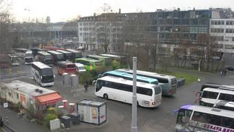 Rund 800'000 Reisende steigen jährlich am Carparkplatz nahe dem Zürcher Hauptbahnhof ein und aus.