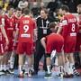 Der Schweizer Nationaltrainer Michael Suter gibt Anweisungen.