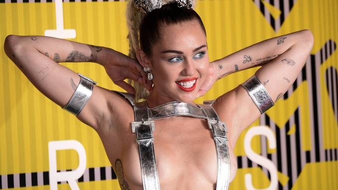 Miley Cyrus MTV Video Music Awards 2015