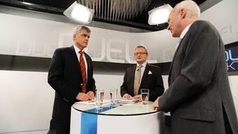 Duell Aktuell vom 26. Januar 2010. Ruedi Dellenbach , CEO der Aargauischen Kantonalbank, tritt gegen Buchautor René Zeyer an.