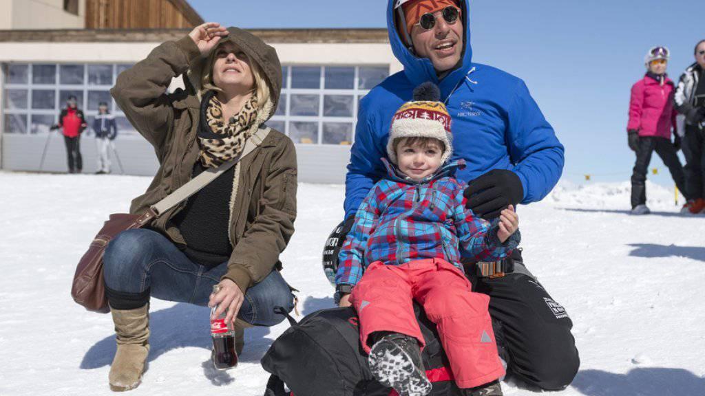 Fortan wieder gemeinsam in luftigen Höhen unterwegs: Freddy Nock mit Ehefrau Ximena und Sohn Leo (Archiv)