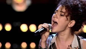 Die 16-jährige Aargauerin Alessandra Votta überzeugt mit ihrer Interpretation des Songs Skyscraper von Demi Lovato.