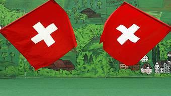 Das Schweizerkreuz soll besser geschützt werden (Archiv)
