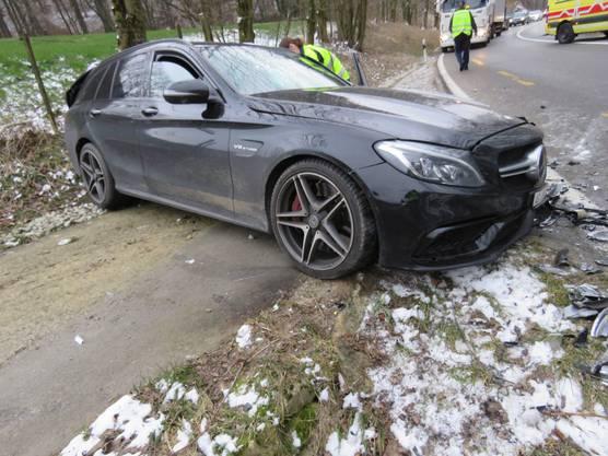 Der Schaden an den beiden Autos beträgt rund 30'000 Franken.