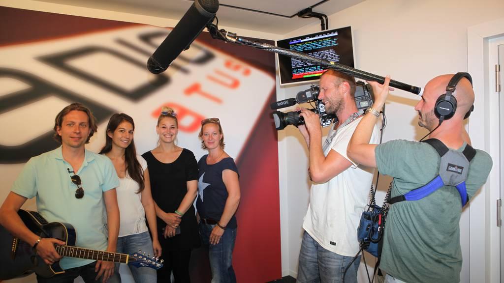 ‹Goodbye Deutschland› dreht bei Radio Pilatus
