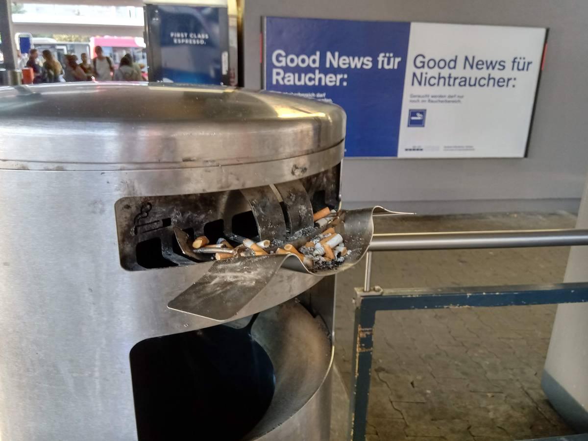 Es wurden in Rapperswil bereits zugeschweisste Aschenbecher aufgerissen. (© FM1Today)