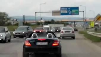 Dem slowakischen Strassen-Rowdy ist kein Überholmanöver zu gefährlich.