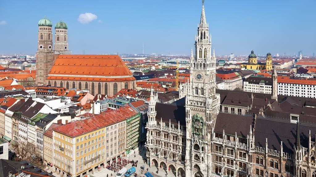 München: Mann greift Menschen mit Messer an