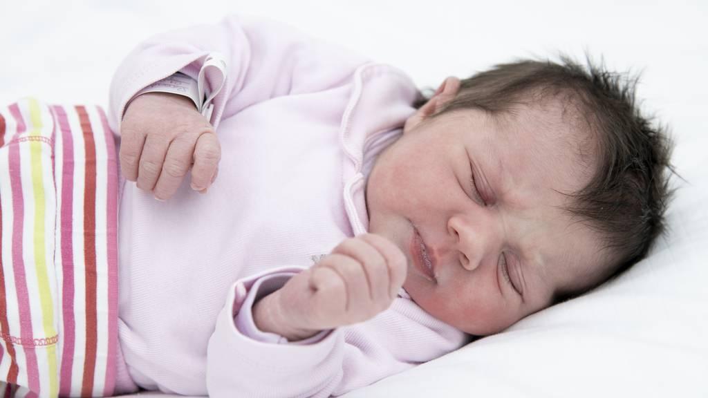 Elena wurde um 01:01 im Spital Grabs geboren.