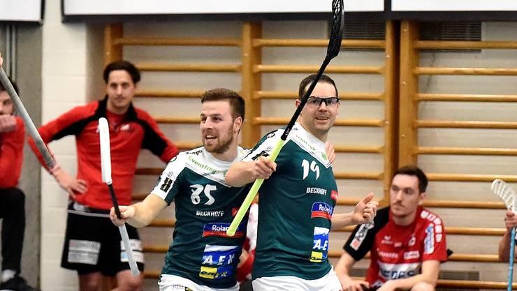 Matthias Hofbauer und Joel Krähenbühl bejubeln den Torerfolgt gegen Malans und den zweiten Qualirang.