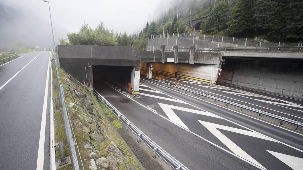 Defekter Lastwagen blockiert Gotthard-Tunnel