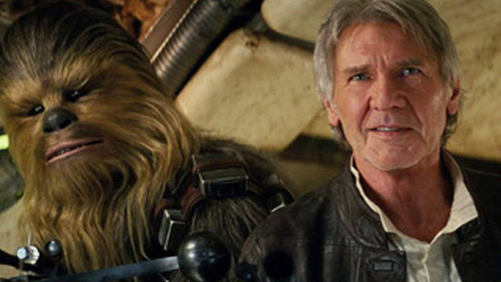 "Harrison Ford (r) als Han Solo in ""Star Wars: The Force Awakens"" (Archiv)"