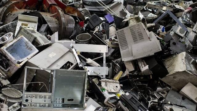 Elektroschrott in einer Recycling-Firma (Symbolbild)